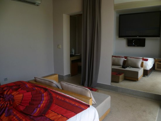 Sirayane Boutique Hotel & Spa: Deluxe suite bedroom.