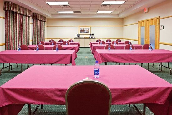 Holiday Inn Express Breezewood: Juniata Meeting Room