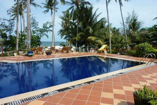 Cassia Cottage: piscine 2