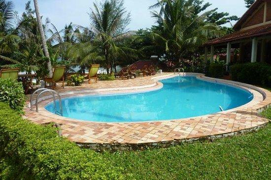 Cassia Cottage: piscine 1
