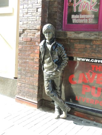 Beatles Magical Mystery Tour: John Lennon Statue near Cavern Club