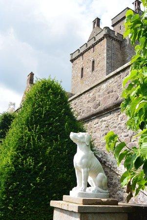 Drummond Gardens: Castle
