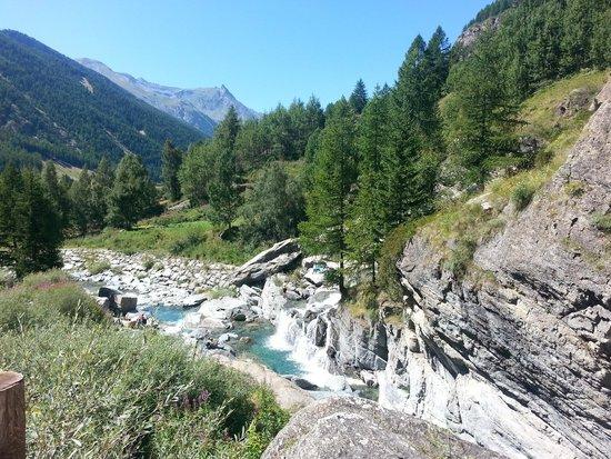 Lillaz Waterfalls : Vista dalle cascate