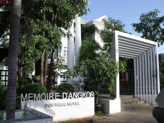 Memoire d' Angkor Boutique Hotel: Hotel front