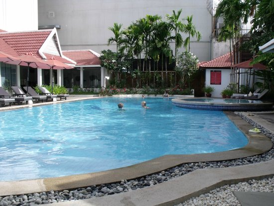 Memoire d' Angkor Boutique Hotel: Lovely pool area
