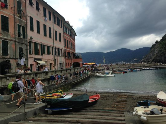 Footpath Monterosso - Vernazza: Vernazza