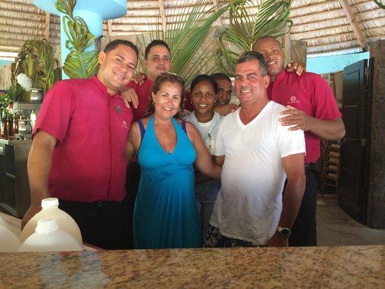Majestic Elegance Punta Cana: Gracias a William, Cesar, Julio Cesar, y Yahaira del Wet Bar. Fue una semana maravillosa! See yo