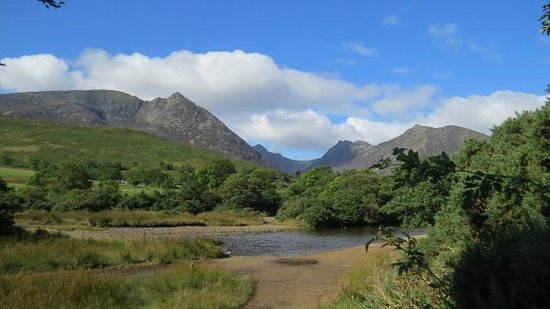 Darven Cottage B&B Sannox, Isle of Arran: Two minutes walk out the gate