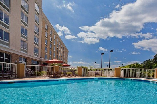 Holiday Inn Hotel & Suites Tallahassee Conference Center North : Holiday Inn Tallahassee Conference Center N Swimming Pool