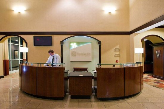 Holiday Inn Tallahassee Conference Center N Front Desk