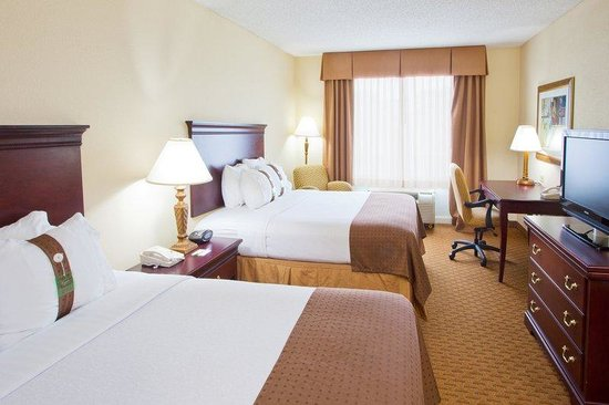 Holiday Inn Tallahassee Conference Center: Two queen bed room