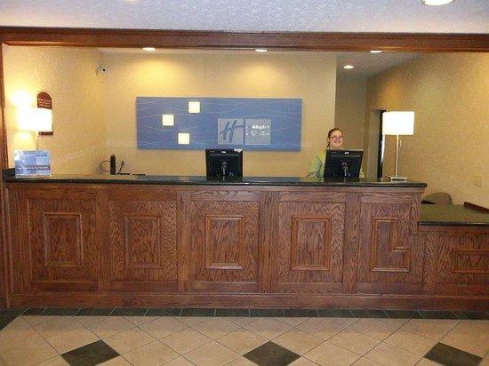 Holiday Inn Express Cadillac : Hotel Lobby Front Desk