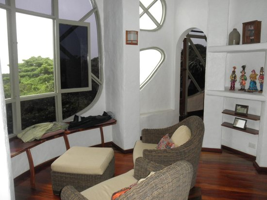 Finca Rosa Blanca Coffee Plantation & Inn: La Piedra sitting area