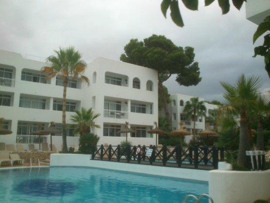 Prinsotel Alba Hotel Apartments: desde la terraza de piscina