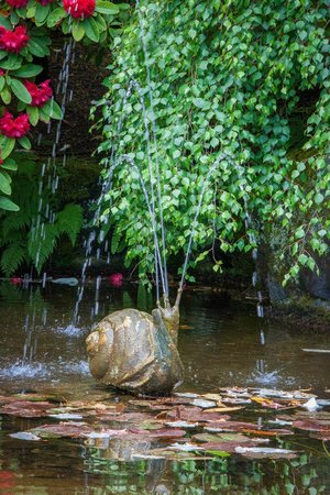 Butchart Gardens: Snail Fountain