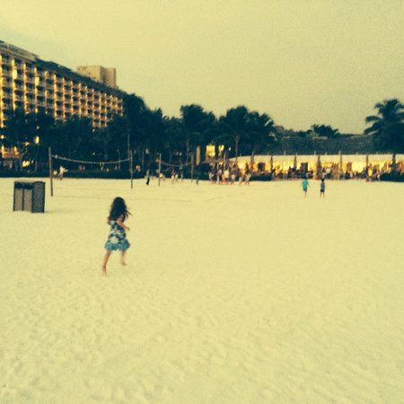 JW Marriott Marco Island Beach Resort: Quinn's beach at sunset