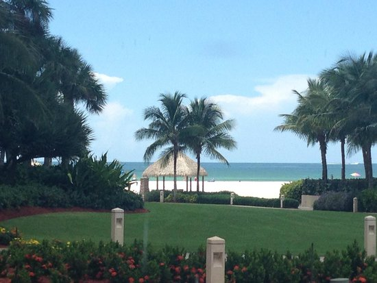 JW Marriott Marco Island Beach Resort: beach view from near spa