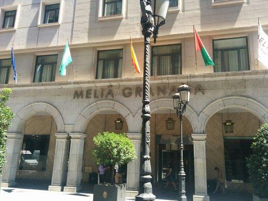 Melia Granada: Fachada del hotel