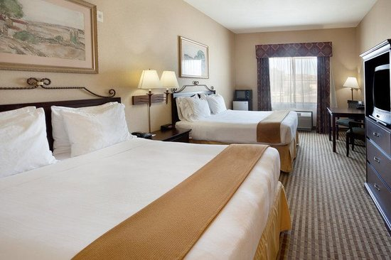 Holiday Inn Express Hotel & Suites - Marina : Double Bed Guest Room