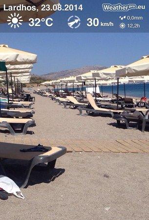 Princess Andriana Resort & Spa : Beach in siesta time - no people Very hot !