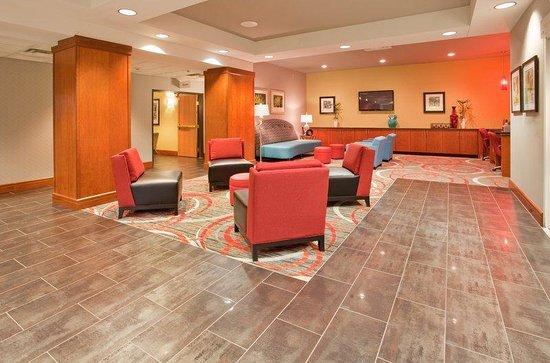 Holiday Inn Express Fremont: Hotel Lobby