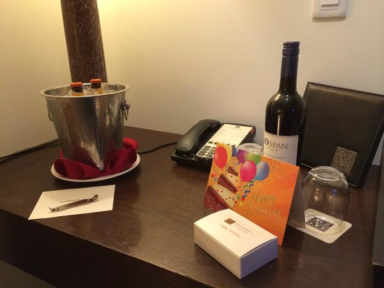 Hotel Valencia Riverwalk: Excellent Customer Service