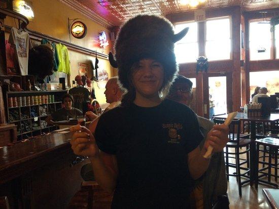 Bumpin Buffalo Bar & Grill: Waitress