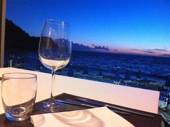 Ristorante Balneare Calamoresca Beach : Cena vista mare