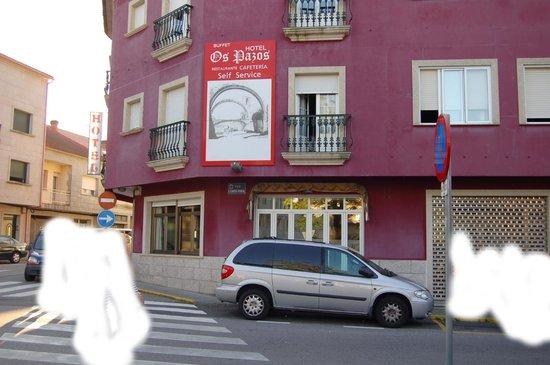 Hotel Os Pazos: Fachada del Hotel, para evitar errores