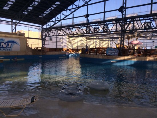 Schlitterbahn Beach Resort: Indoor water pk opens 1 hr before full water pk. Others posted indoor water pk is just for hotel