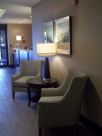 Holiday Inn Express Hotel & Suites Winchester: Guest Lounge