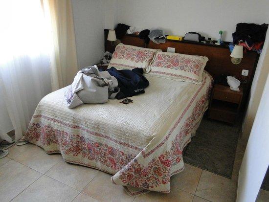 Sojo Apart Hotel: Quarto com boa cama