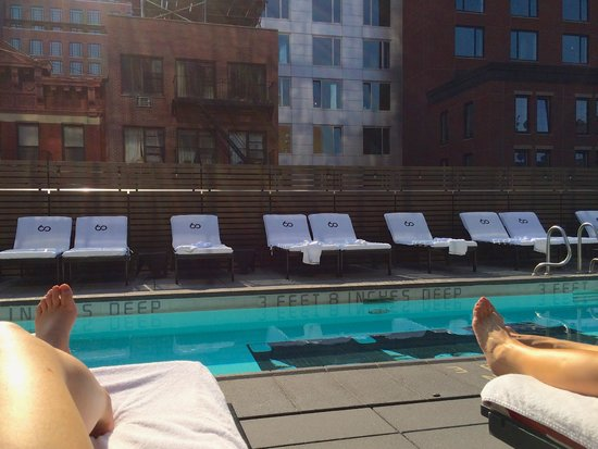 SIXTY LES: Rooftop Pool