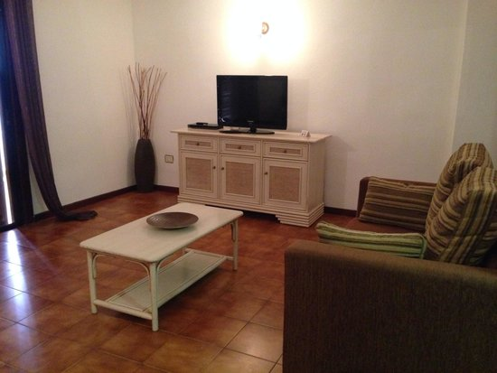 Paloma Beach Apartments : Living area