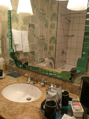 Kimpton Hotel Monaco Portland: Bath