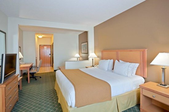 Holiday Inn Express Lincoln South: King Bed Guest Room