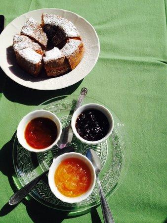 Il Rifugio del Poeta Bed & Breakfast: Breakfast :)