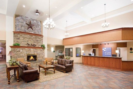 Holiday Inn Express & Suites - Gunnison: Hotel Lobby  Holiday Inn Express - Gunnison, Colorado