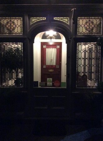 Pencubitt House: the beautiful porch