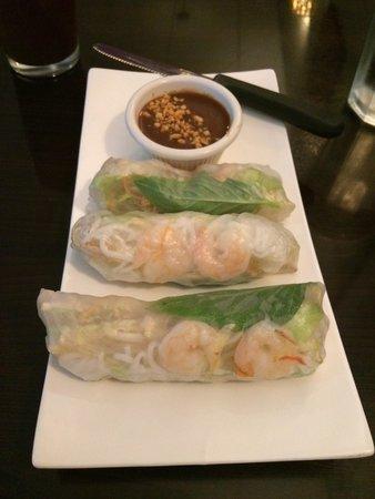 Nori Thai & Sushi: Fresh Basil Rolls