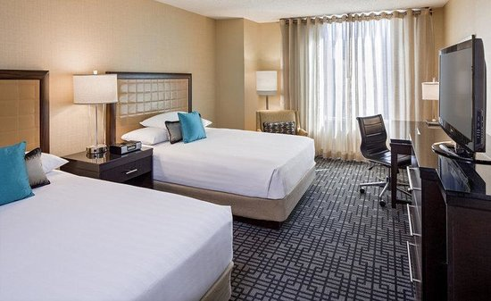 Hyatt Regency Washington on Capitol Hill: Our upscale Double guestrooms feature modern caramel and gold-toned décor with dark wood furnish