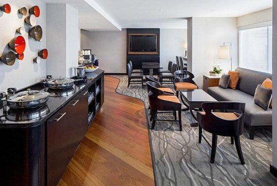 Hyatt Regency Washington on Capitol Hill: Our Regency Club® guests enjoy private access to 11 floor lounge with breakfast, and refreshment