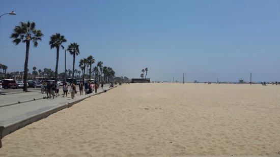 Santa Monica Pier: Santa Monica Beach