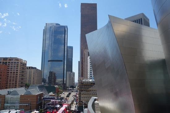 Walt Disney Concert Hall: The curvey waves of Disney Concert Hall against the lines of LA