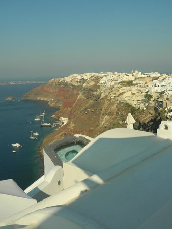 Captain John Traditional Houses: View of Oia from our patio