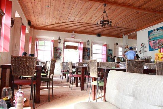 Kumaras Restaurante & Lounge: Ambiente Interno