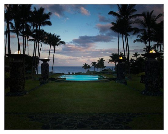 Travaasa Hana, Maui: Wellness Pool at Night