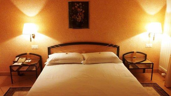 BEST WESTERN Hotel Bellevue Au Lac: Room interior