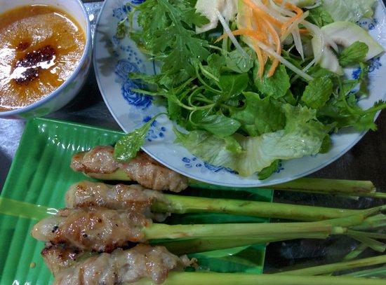 Hanh Restaurant : Nem Lụi