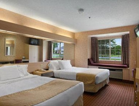 Microtel Inn & Suites by Wyndham Baldwinsville/Syracuse: Standard Two Queen Bed Room